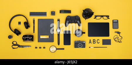 social media concept header on colored background - Stock Photo
