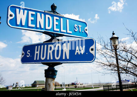 Mackinaw City Michigan Mackinac South Huron Avenue Wendell Street Great Lakes street sign lamp blue - Stock Photo