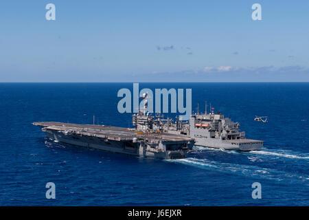 160817-N-PE636-369  ATLANTIC OCEAN (Aug. 17, 2016) Aircraft carrier USS Harry S. Truman (CVN 75), left, off-loads - Stock Photo