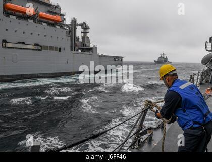 170513-N-RM689-280  WESTERN PACIFIC (May 13, 2017) Ticonderoga-class guided-missile cruiser USS Lake Champlain (CG - Stock Photo