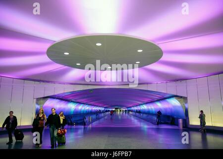 Michigan Detroit DTW Detroit Metropolitan Wayne County Airport transportation gate arrival departure concourse airlines - Stock Photo