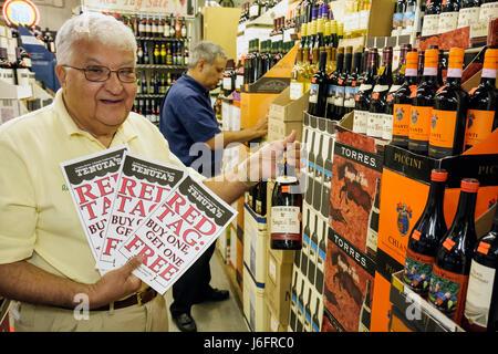 Wisconsin, WI, Upper Midwest, Kenosha County, Kenosha, Tenuta's Delicatessen Liquors and Wines, Italian market, owner, adult adults man men male, seni