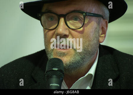 Stockport, UK. 21st May, 2017. George Galloway, Author, Broadcaster and Independent Parliamentary candidate for - Stock Photo