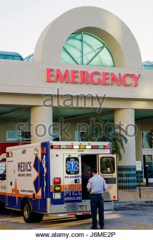 Miami Beach Florida Mt. Mount Sinai Medical Center hospital emergency room entrance ambulance - Stock Photo