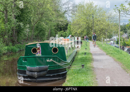 Narrowboats on the Brecon Monmouth Canal at Talybont on Usk, Brecon Beacons - Stock Photo
