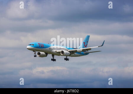 TUI Boeing 757-200 registration G-OOBB landing on May 21st 2017 at London Luton Airport, Bedfordshire, UK - Stock Photo