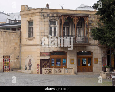 Travel agent in Baku old town, Icheri sheher, area in the inner city surrounded by fortification walls, Unesco World - Stock Photo