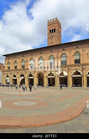 Palazzo del Podestà civic building, Piazza Maggiore, Bologna, Emilia-Romagna, Italy, Europe. - Stock Photo