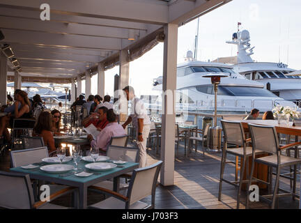 Restaurant in Newport habour, Rhode Island,USA - Stock Photo
