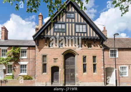 Old red brick building part timber framed in Stratford-u[on-Avon, Warwickshire - Stock Photo