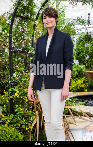 Chelsea London, UK. 22nd May, 2017. RHS Chelsea Flower Show. English Actress Gemma Arterton poses for Photographers - Stock Photo
