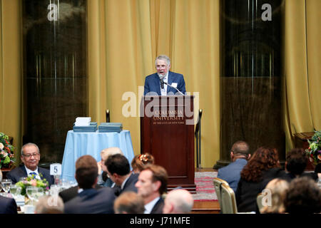 New York, USA. 23rd May, 2017. New York, USA. 22nd May, 2017. Pulitzer Prize Administrator Mike Pride presides over - Stock Photo