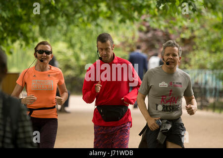 London, UK. 23rd May, 2017. People enjoying the sun shine in in St James Park, London Credit: Sebastian Remme/Alamy - Stock Photo