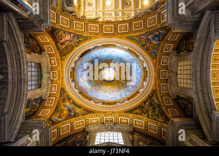 The Papal Basilica of Saint Peter, officially known in Italian as the Basilica Papale di San Pietro in Vaticano - Stock Photo