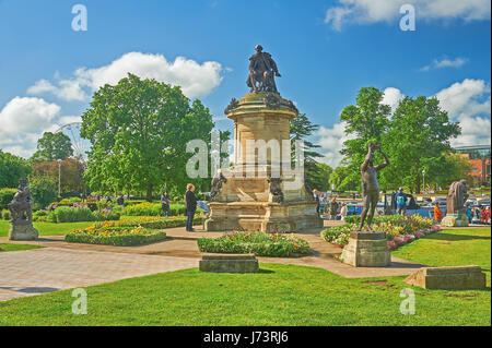 The Gower Memorial statue. Bancroft Gardens, Stratford upon Avon, with William Shakespeare at the centre and bronze - Stock Photo