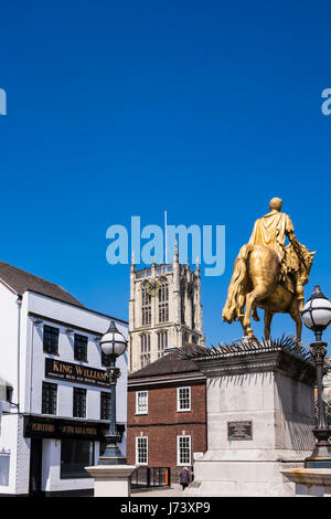 King William III statue in front of Holy Trinity church, Kingston Upon Hull, Yorkshire, England, U.K. - Stock Photo