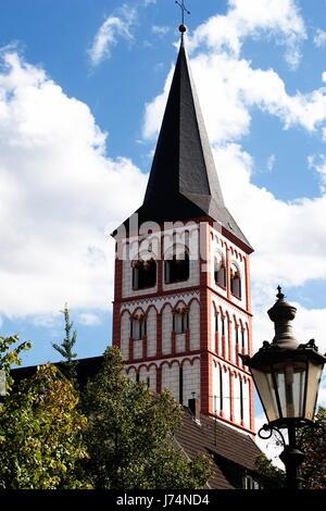 stadtansicht kirche reise siegburg stadtgeschichte gemeinde laterne - Stock Photo