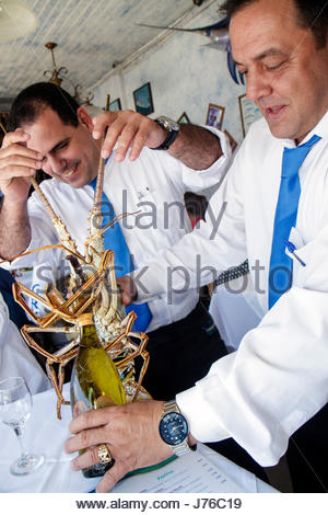 Miami florida casablanca seafood bar and grill for Garcia s seafood grille fish market
