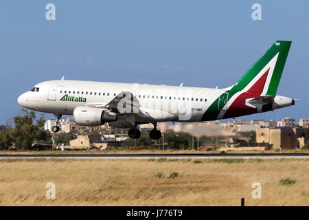 Alitalia Airbus A319-112 [EI-IMH] in the latest livery for Alitalia landing runway 31. - Stock Photo