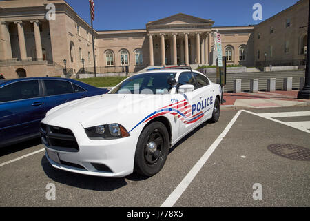 dc police car in front of District of Columbia City Hall now the court of appeals judiciary square Washington DC - Stock Photo