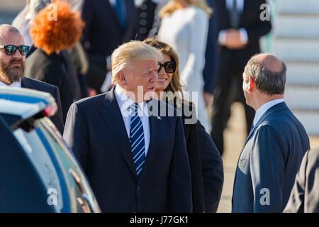 Donald Trump arrives in Rome Italy on board Air Force One - Stock Photo