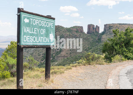 Directional sign on the road to the viewpoint of the Valley of Desolation near Graaff Reinet in the Eastern Cape - Stock Photo