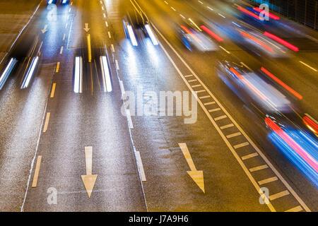 Deutschland, Baden-Württemberg, Stuttgart, B14, Bundesstraße, Autos, Pfeile, Lichtspur, Verkehr, Straßenverkehr, - Stock Photo