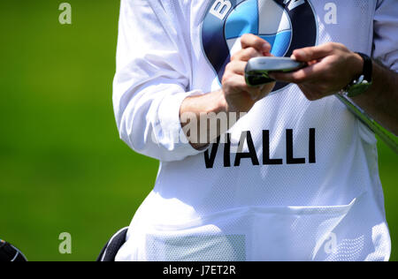 Virginia Water, Surrey, UK. 24th May, 2017. Viclli's caddy's bib at the Pro-Am event prior to the European Tour - Stock Photo