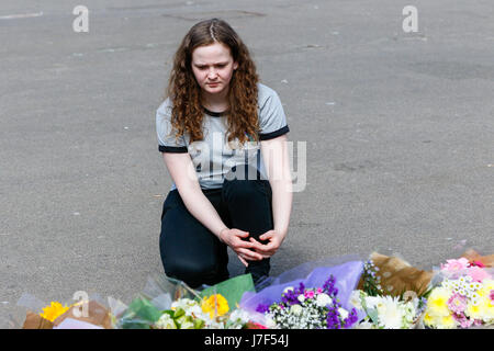 Glasgow, UK. 25th May, 2017. Billie Brennan, aged 18, from Port Glasgow was at George Square today to pay respects - Stock Photo