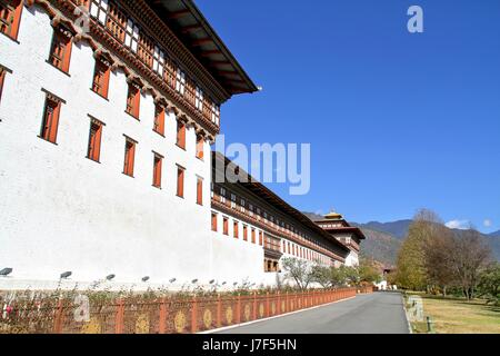 Tashicho Dzong or Thimpu Palace. Buddhist monastery and fortress on the northern edge of the city of Thimpu in Bhutan. - Stock Photo