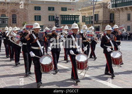 Changing of the guards in front of the Grand Duke Palace, St. Georg's Square, Valetta, Malta - Stock Photo