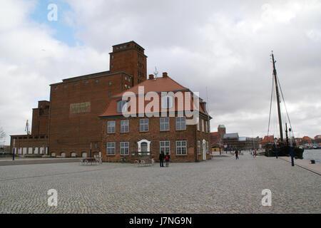 2012.02.25.134323 Baumhaus alter Hafen Wismar - Stock Photo