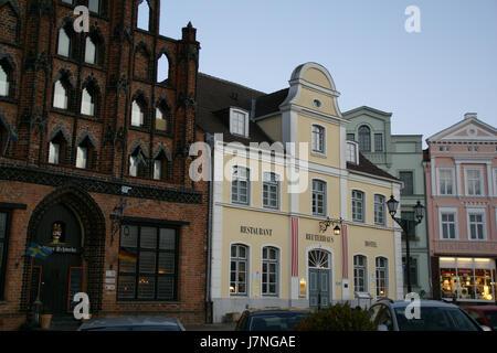 2012.02.25.173944 Alter Schwede Reuterhaus Marktplatz Wismar - Stock Photo