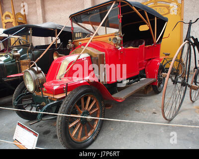 1910 Renault AX, 2 cylinders, 1060 cm3, 6cv pic5 - Stock Photo