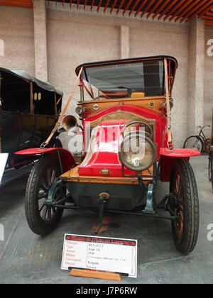 1910 Renault AX, 2 cylinders, 1060 cm3, 6cv pic4 - Stock Photo
