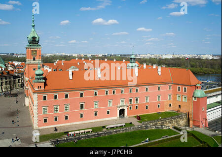 Castle Square (plac Zamkowy) and Royal Castle in Warsaw Old Town listed World Heritage by UNESCO, Warsaw, Poland - Stock Photo