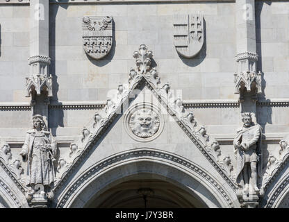 Hungary, Budapest. Parliament Building. Detail above the entrance. - Stock Photo