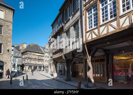 Half-timbered medieval buildings in Rue de l'Apport, Dinan, Brittany  France - Stock Photo
