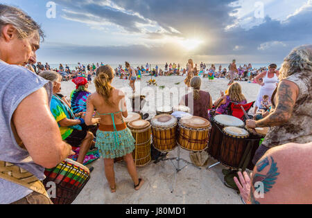 nokomis beach drum circle casey key on the gulf of mexico. Black Bedroom Furniture Sets. Home Design Ideas
