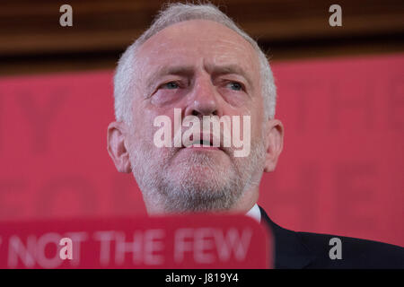London, UK. 26th May, 2017. Labour Party leader Jeremy Corbyn delivers a speech in Westminster on defending democracy - Stock Photo