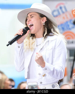New York, USA. 26th May, 2017. Miley Cyrus performs on NBC's 'Today' at Rockefeller Plaza on May 26, 2017 in New - Stock Photo