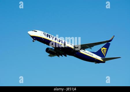 Ryanair Boeing 737-8AS taking off at Birmingham Airport, UK (EI-ENB) - Stock Photo