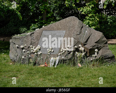 Conscientious Objectors Memorial Stone, Tavistock Square, London - Stock Photo