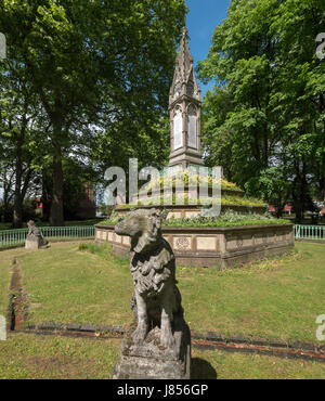 Memorial to Angela Burdett-Coutts, a wealthy 19th century aristocratic philanthropist in St Pancras Old Church cemetery - Stock Photo