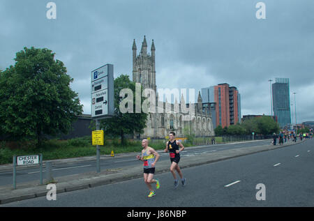 Manchester, UK. 28th May, 2017. Lead 2 runners in the Half Marathon event in the Great Manchester Run at Chester - Stock Photo