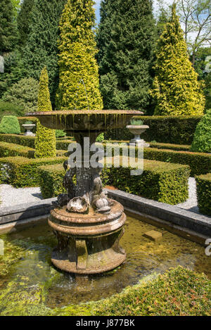 The Italian garden at Thornbridge hall gardens near Great Longstone, Derbyshire, England. - Stock Photo