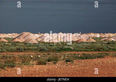 surface mining, overburden, mines, opal, shafts, surface mining, overburden, - Stock Photo