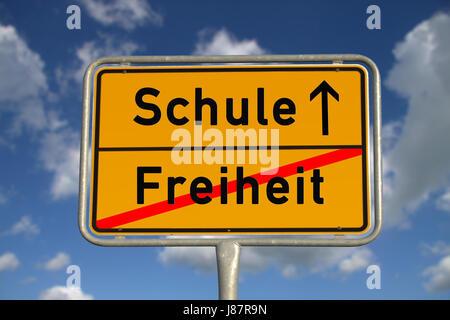 german ortsschild freedom school - Stock Photo