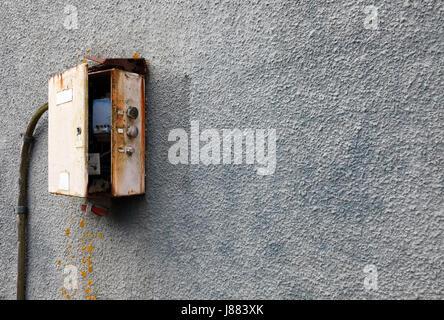old rusty electrical fuse box uk stock photo 87864643 alamy rh alamy com old fashioned fuse box old fashioned fuse box