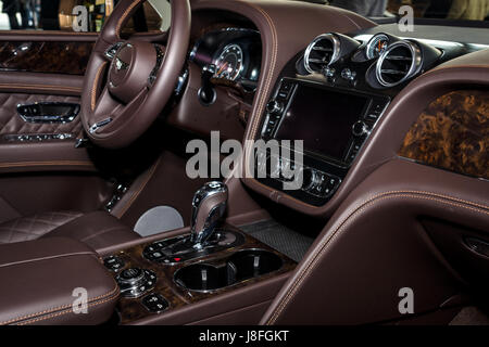 interior dashboard of a classic bentley car pictured outdoors stock photo royalty free image. Black Bedroom Furniture Sets. Home Design Ideas